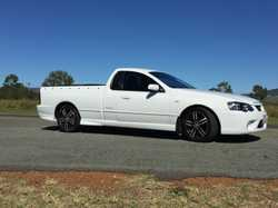 Urgent Sale This is a great sporty looking ute, Multi point fuel injected 6cyl/4.0L has RWC, air con...
