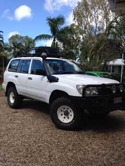 land cruiser wagon,105 series, 6 cyl. diesel, good condition, sunraiser wheels, big tyres, snorkel,...