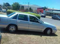 VOLVO 1999 S70 sedan, 5 cyl auto, T2.5T petrol. Leather interior, one owner, 146,311km. Reg May 2...