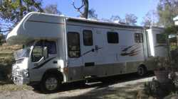 ISUZU MOTORHOME Turbo diesel auto 2007, sleeps four, 36,000kms, kitchen, toilet / shower, wardrob...
