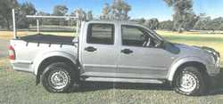 HOLDEN Rodeo, 2004 twin cab, manual, 3.5 V6, 88,000klms, t/ball, b/bar, boat rack, a/c, CD, great...