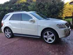 2010 Mercedes Benz ML350CDI, white, AMG sports pack, AWD, SUV 183277kms, excellent condition, $30...
