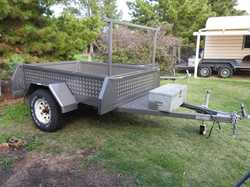 7 x 5 Heavy Duty trailer. Registered. Fitted with 12 and 24 volt lighting