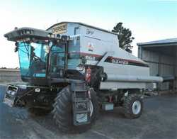 R62 Gleaner, 2121hrs, RWA long seives, LED lights, 36ft windrower draper, PU reel trailer, $61,00...