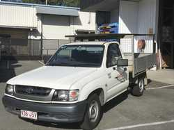 Hilux 2003 workmates ute great condition for age, Alloy tray, Aircon Rack, Manual, Petrol. 231,323km...