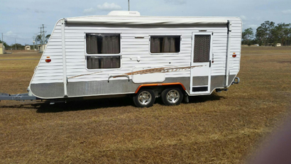 2007 Series 4 Galaxy, $23,000. 19' Southern Cross, E/C, qual fittings + new & near new:...