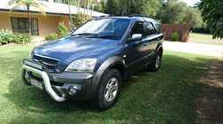 229,000 ks 2004 Kia Sorento, 9/17 rego, new windscreen, drive belts, tyres, fuel sender, fuel doo...