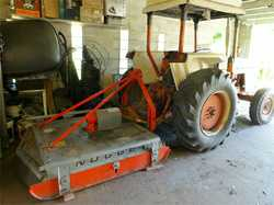 Case Tractor 1190 With rollbar & sunroof, only 990 hours, 5' Nugget slasher, near new, $8...