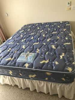 Bed queen chiropedic bedding as new spotless mattress ph 0423158325
