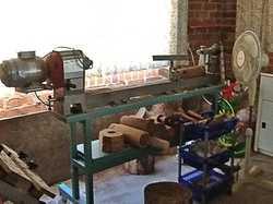 NOVA Woodlathe 3000.   8spd, cast iron, length 1.6m, with extras,   $1,750.   Ph: 665...