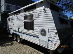 20ft semi off road,solar panel,independent susp,toilet and shower,air con,large lounge ,rollout with...