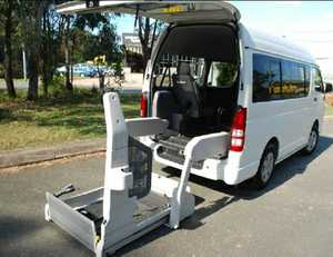 TOYOTA HIACE WHEELCHAIR VEHICLE