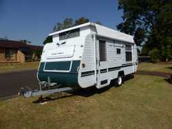 2006 Paramount Golden Eagle. 18ft . V.G.C. Rego till June 18. Queen bed,Gas Oven, Good tyres, Full c...