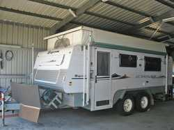 Supreme Getaway 17', off road, pop top, 2007, 3 new 120 amp batts, 3 solar panels, 2 spare...