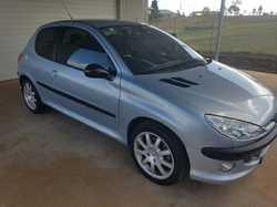 PEUGEOT  2003,  hatchback 3 door,  perfect 1st car,  manual,  good c...