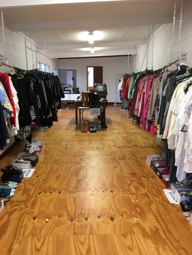 TWEEDHEADS WEST    PRE-LOVED CLOTHING SALE    Sat 23 September    Strictly 6.30am - 1...