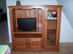 TV/DVD player section & 3 storage spaces, tongue and groove, 1.31m high x 1.39m wide x 57cm deep.