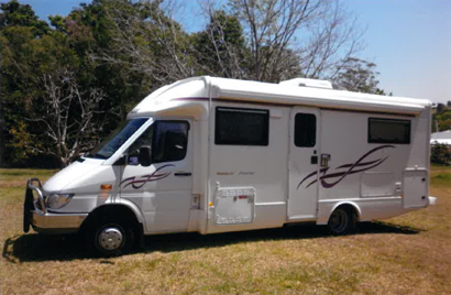 MERCEDES 413 CDI Winnebago Freewind, 2 dble beds, sep show/toil, 2 rev cams, all extras, 1st to s...