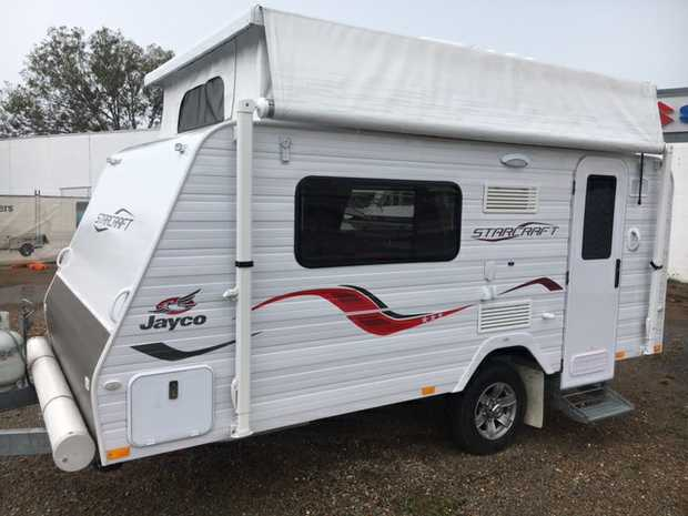 2016 Jayco Starcraft 15ft    2 single beds  Roof mounted  Air...