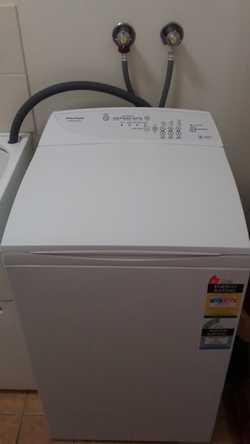 "5.5kg  top loader washing machine 23"" deep 22"" wide 40 "" high  Collection only  Buderim gardens vill..."