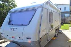 Lightweight for easy towing. Double bed. Full ensuite. Sep shower and toilet. Oven. 150ltr fridge. R...