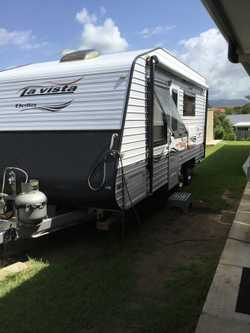 18ft 6 in dual axle La Vista Bella. Full ensuite with washing machine. Solar,  a/c, twin w/tanks, qu...