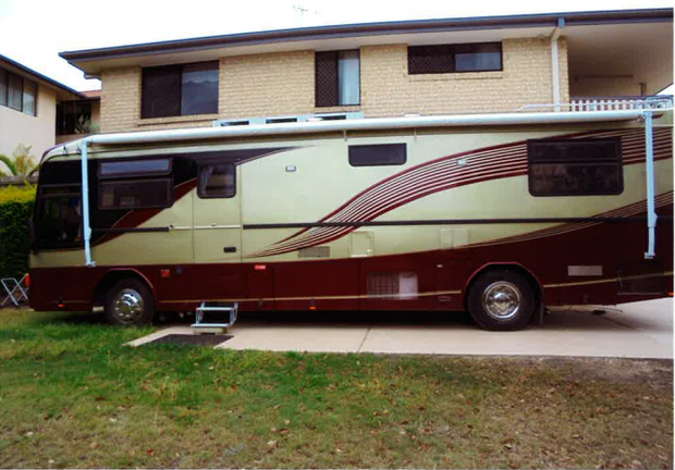 1985 Hino Motorhome boasting 185HP, 5 speed deisel with only 48,000kms on the clock and a Deisel...