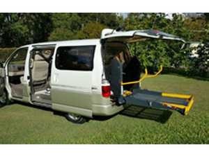 DISABILITY VEHICLE - TOYOTA GRAND HIACE 2000
