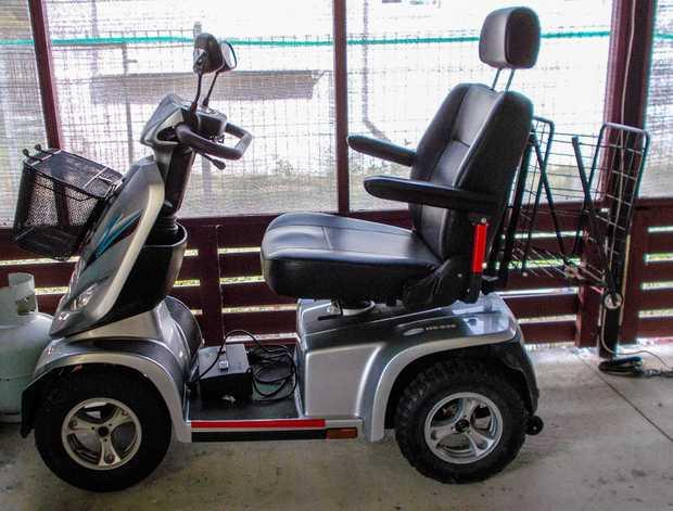 C.T.M. Model HS928    2014 ODO: 2190 15in wheels, Speed Limited 10kph, Silver, baskets front...