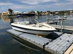 BAYLINER Bowrider 19.5' 2003 with 135HP Mercruiser in Noosa Waters on boat lifter. Boat 3 o...