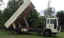 VOLVO FL6 TIPPER 2001,   9 speed manual, V 594,000klms, 250HP,   GCM 15 tonne, pintle hoo...