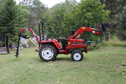 Tractor - Yanmar F20D Diesel 4WD, 24HP, 4 in 1 front end loader & ROPS frame, implements - sl...