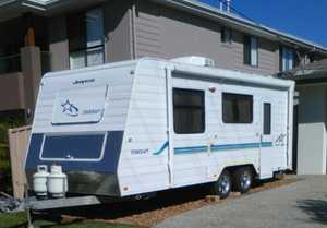 '09 Starcraft Jayco 20ft Caravan
