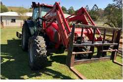 McCormack C105 Max Tractor    98hp,  1020hrs,  4x4WD,  12F/12R shuttle tran...