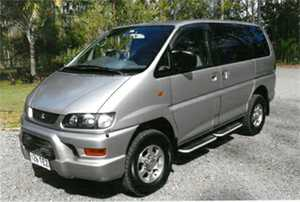 PEOPLE MOVER AWD FAMILY VAN