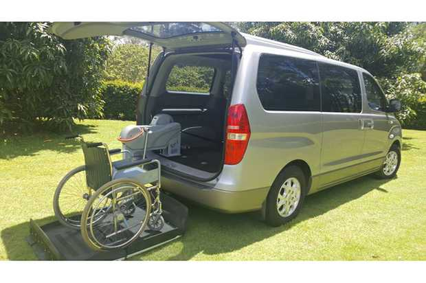 DISABILITY VEHICLE   2012 HYUNDAI IMAX   4 Cyl Auto air lift takes 363kg. Great family ve...