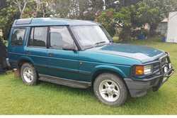 CHEAP! 1998 LANDROVER Discovery. $3000 ono & 14ft GOLF POP TOP Caravan. $8000 ono. Contact 04...
