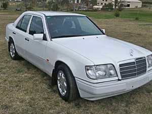 Mercedes E220 Dec 1993 for sale