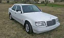 MERCEDES E220  Dec 1993,  very original  , straight  , sunroof,  new...