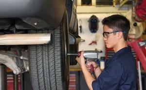 LOOKING TO KICK START YOUR CAREER IN AUTOMOTIVE?  AUR20716 CERTIFICATE II in Automotive Vocat...