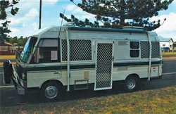 MAZDA T3500  1989,  diesel,  10 gear split manual,  a/c,  TV,...