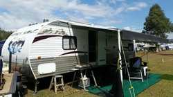 2011 Forest River 28ft caravan with 4.5m slide out , 200 litre fresh water , 2x150kw solar panels wi...