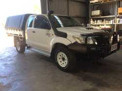 Toyota Hilux space cab with only 60000 kms on the clock. In immaculate condition. Fully Serviced eve...