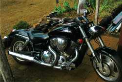 HONDA 1800 VTX, single or twin seat, sissy bar, carrier, leather panniers, all gen. acc, 45,000kl...