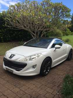 Fall in love with this beautiful car! 6-spd turbo. Auto everything, leather interior. Reg 11/18.