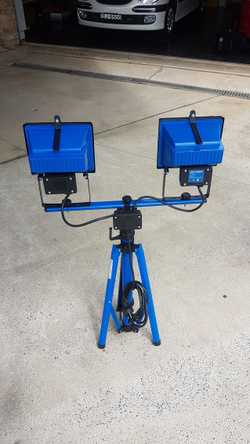 with telescopic steel tripod stand