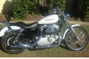 <p> HARLEY Davidson 883 Sportster 2006, only 5,000ks, always garaged, added extras, rwc, reg, Emerald...