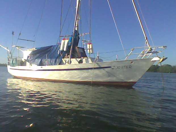 Ocean going  Sailing cruising vessel  6 berth  Perkin motor 4108