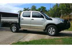 HILUX SR 4x4 diesel 2010 auto. L/range fuel tank, steel tray, b/bar, t/bar, snorkel, tinted windo...
