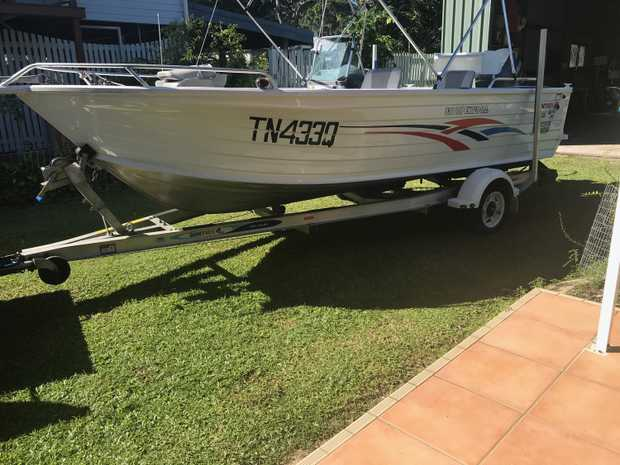 Alloy trailer Yamaha 4 stroke 100HP 2010 208Hrs.   Lorwance touch sounder / GPS (Never Used)...
